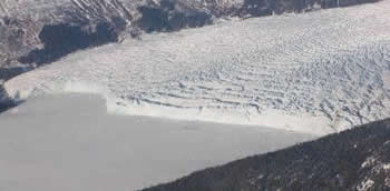 Columbia_glacier_close-431x212