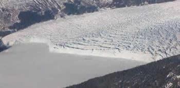 Columbia_glacier_close-431x212